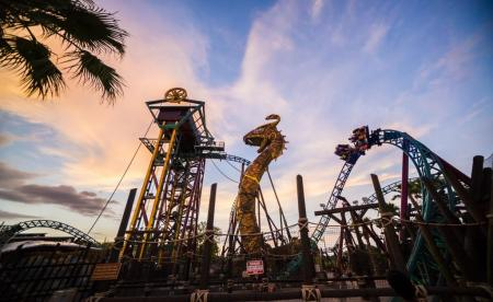 2016_busch_gardens_tampa_bay_cobras_curse_summer_nights_02-450x276