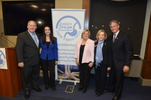 DDF Board Member Stephen Greenberger, DDF President and Founder Debbie Zelman, Rep. Ileana Ros-Lehtinen (R-FL), DDF Board Member and Secretary Madelyn Zelman, and DDF Board Member David Kubiliun during DDF's 5th Annual Stomach Cancer Capitol Hill Advocacy Day. (PRNewsfoto/Debbie's Dream Foundation: Curi)