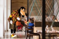 Make fun memories at the resort's on-site Good Morning Breakfast with Goofy & His Pals. (PRNewsfoto/Four Seasons Resort Orlando)