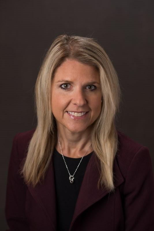 Lisa-Welshhons-Discovery-Senior-Living-headshot
